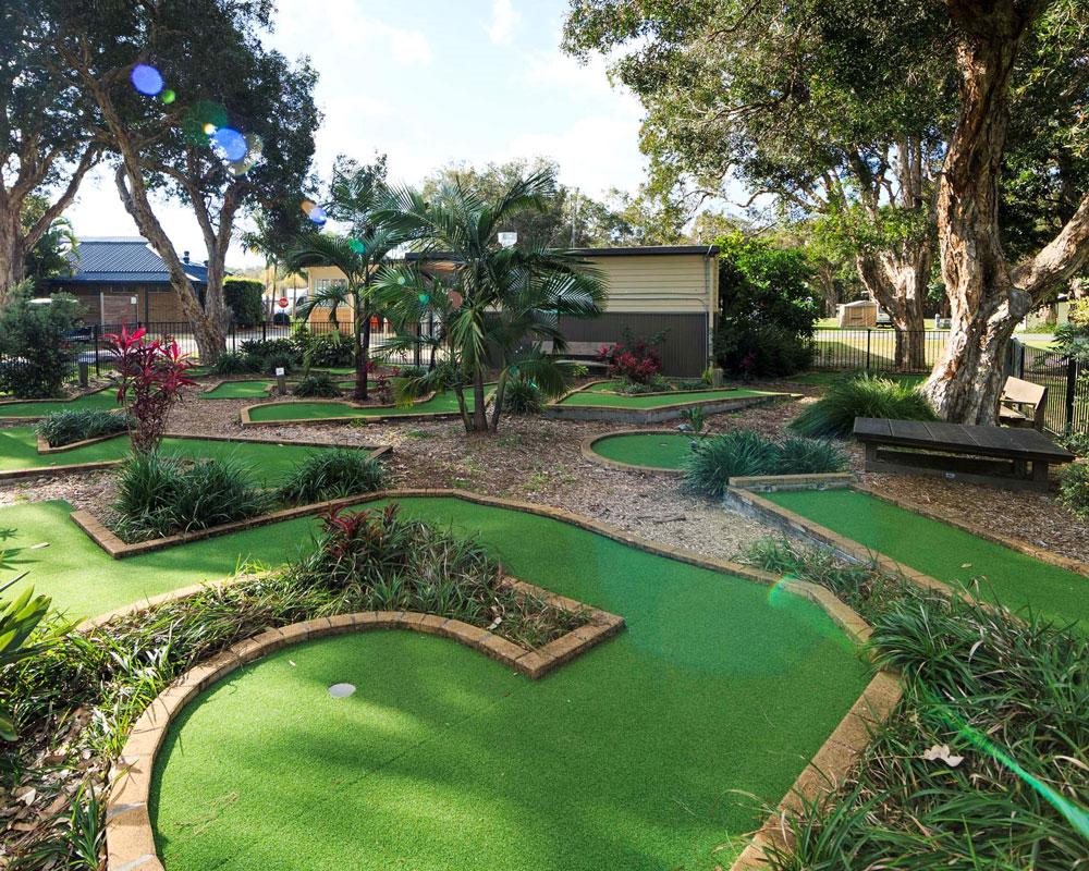 Mini golf course at North Haven caravan park