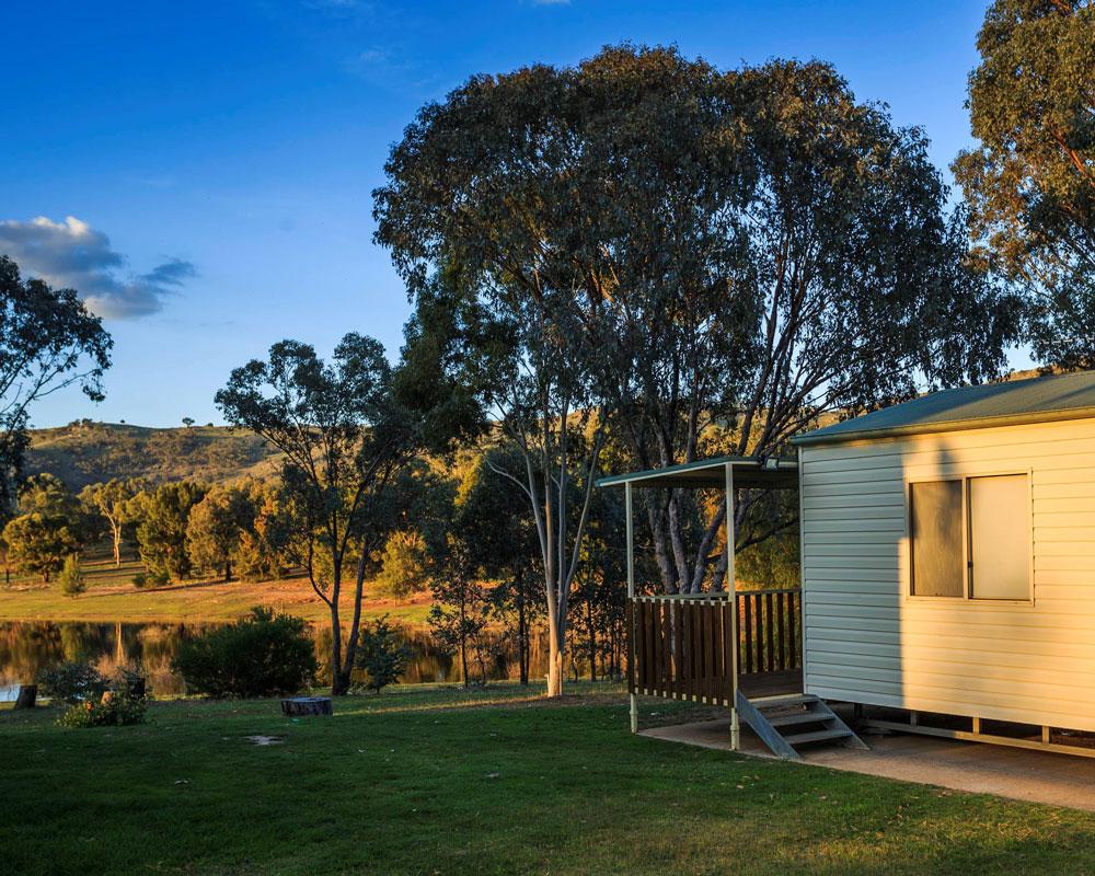 A cabin at Grabine Lakeside caravan park
