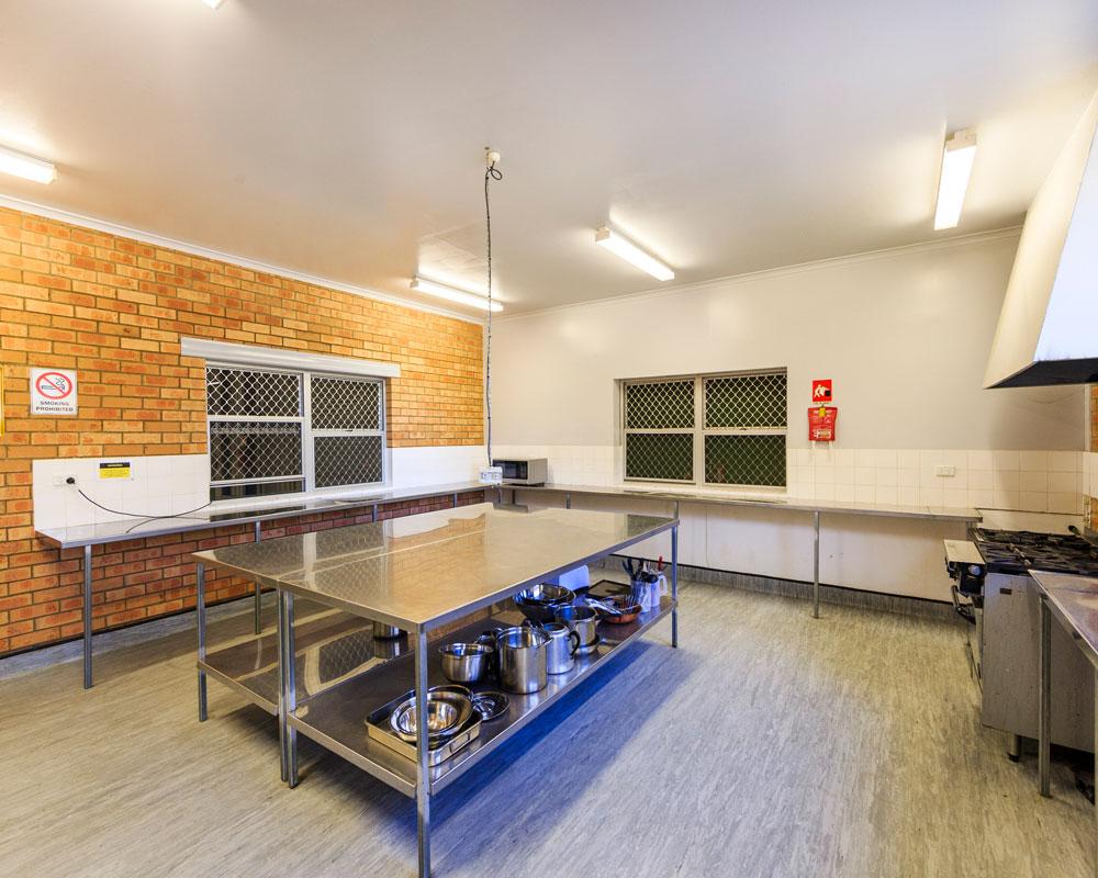 Camp kitchen area at Wyangala Waters caravan park