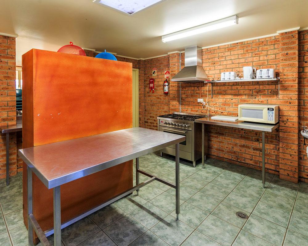 Camp kitchen at Grabine Lakeside caravan park